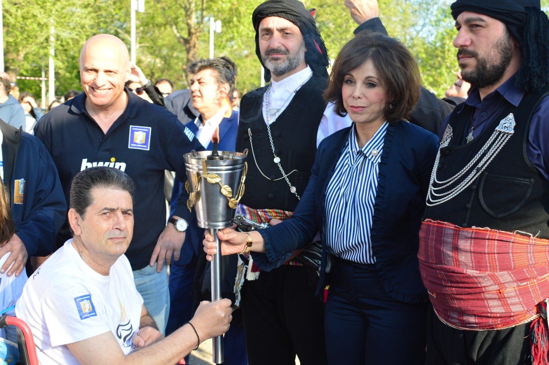 Η Αλεξάνδρειος Φλόγα έδωσε το έναυσμα  για τον 14ο Διεθνή Μαραθώνιο ΜΕΓΑΣ ΑΛΕΞΑΝΔΡΟΣ – bwin